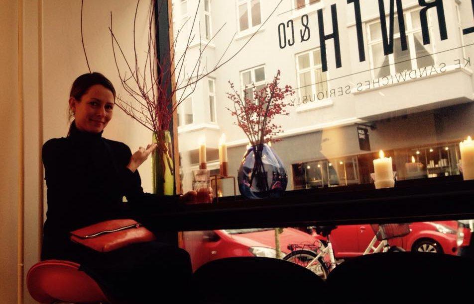 Stilet indretning og lækre sandwiches på Bernth & Co på Borggade