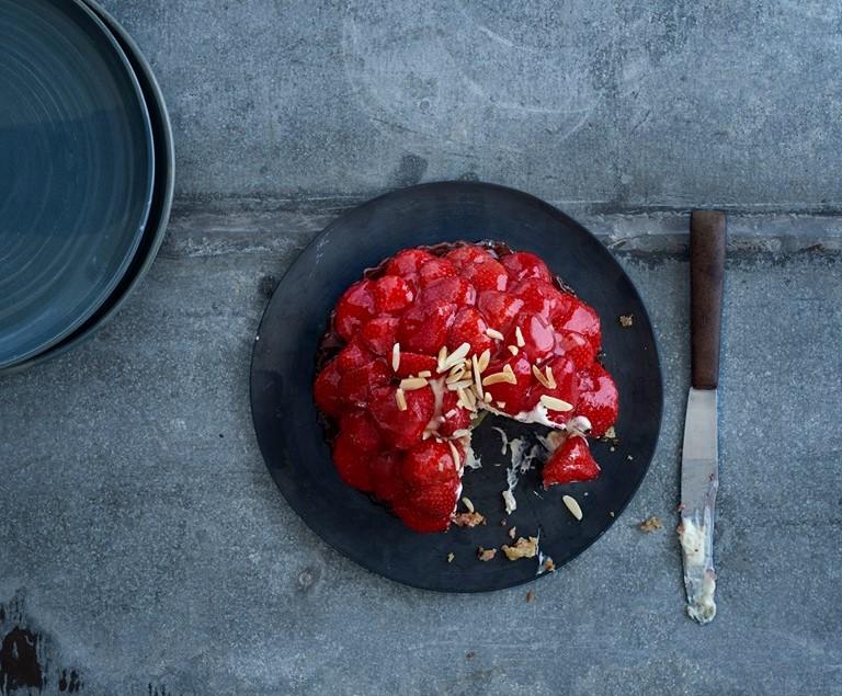 Alletiders Kogebog Jordbærtærte bageriet lagkagehuset i aarhus sælger nu årets første jordbærtærter